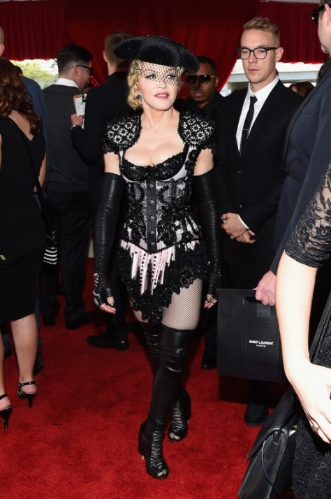madonna-57th-annual-grammy-awards-givenchy