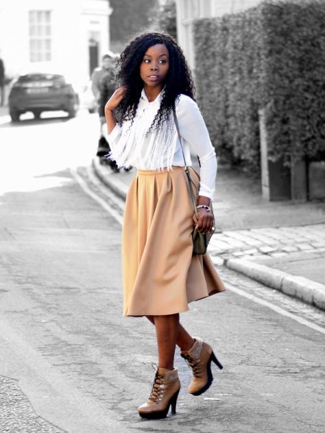 epiphanniea_london_fashion_blogger_afro_kinky_waterwave_hair_boohoo_saffron_tassel_front_shirt_missguided_auberta_pleated_midi_skirt