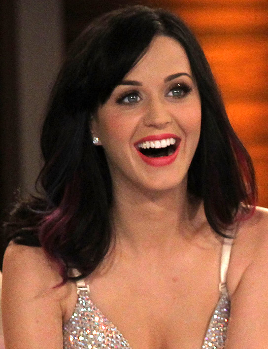 100410_katy_perry_beauty_5441