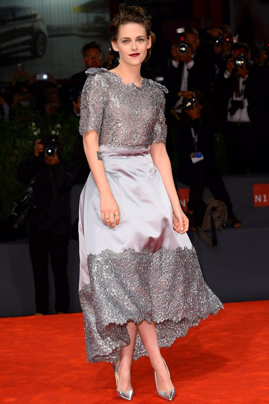 Celebrity Style Kristen Stewart In Chanel Fashionandstylepolice Fashionandstylepolice