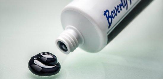 2-BHF-Perfect-White-Black-toothpaste-125ml-3-web
