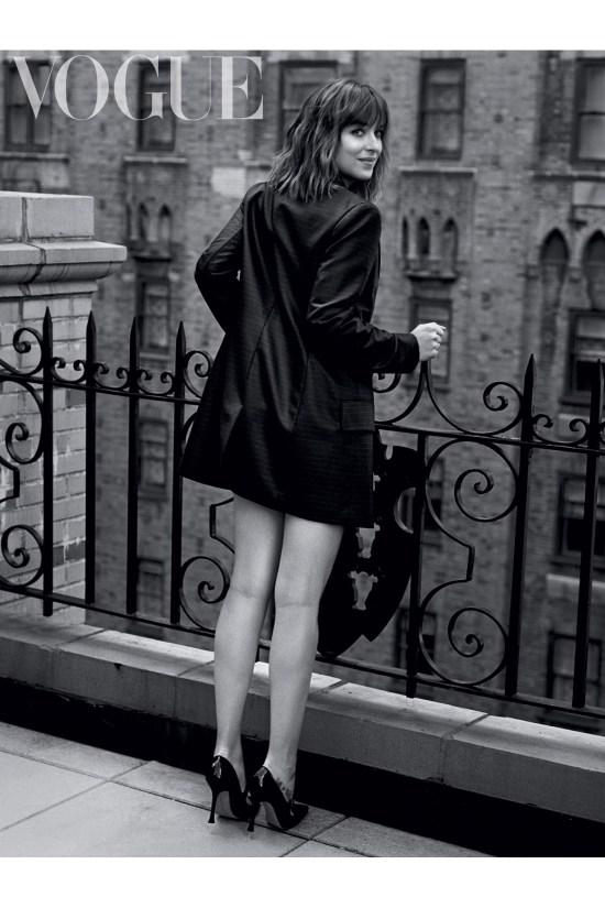 Dakota-Johsnon-Vogue-for-online-23Dec15_b