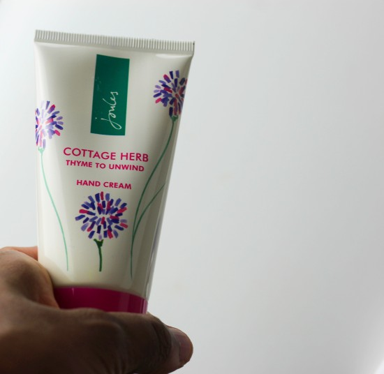 joules-cottage-herb-thyme-to-unwind-hand-cream-image