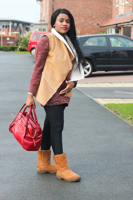Short Tan Uggs Outfit
